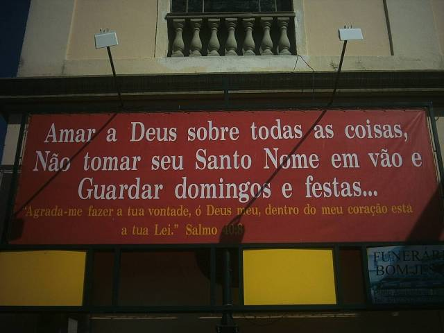 Guardar Domingos e Festas