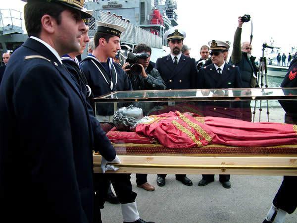 cadaver santa lucia adoracao1