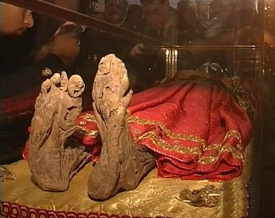 cadaver santa lucia adoracao3