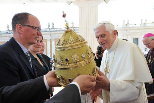 coroa papal